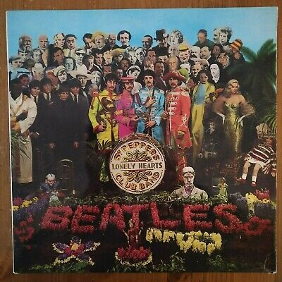 THE BEATLES - Sgt Pepper Lonely Hearts CLub Band, With Cut Out