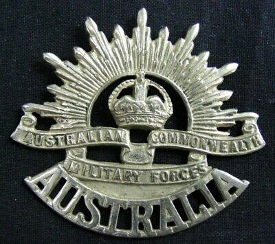 Australia: Original  Cap Badge: Rising Sun with 'Australia'  WW2 Nurse
