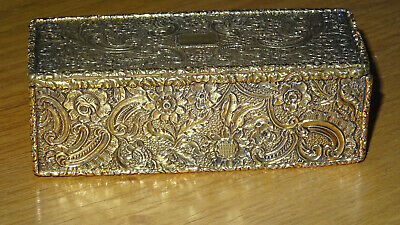 A Very Fine Gold And Siver Table Top Snuffbox Variegation & Floral Raised Relief