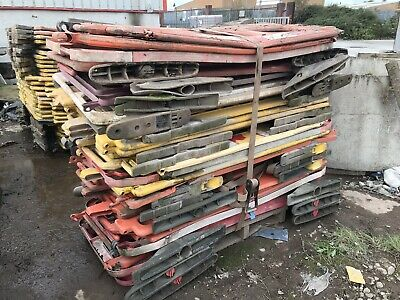 Plastic Pedestrian Barriers Crowd Control Road Works Safety Barrier . Job Lot .