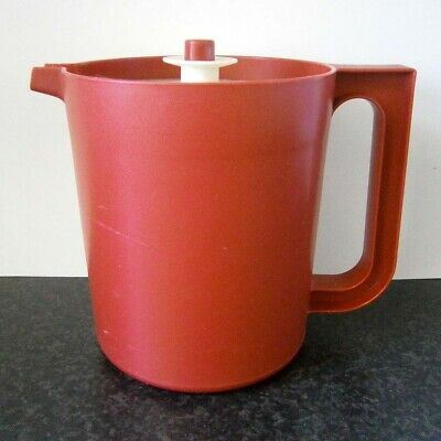 VINTAGE TUPPERWARE BURGUNDY RED PLASTIC 1.7L JUG with PUSH BUTTON LID
