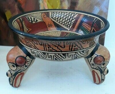 Pre-Columbian Mayan Ulua Valley Polychrome Footed , Painted and burnished clay.
