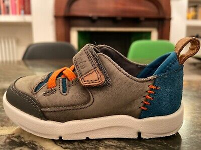 Clarks Trigenic Infant Boys Size 4.5G Grey blue/ suede/ leather First Shoes Blue