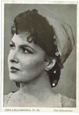 Actress GINA LOLLOBRIGIDA (Revista Florita) 1950s original vintage photo