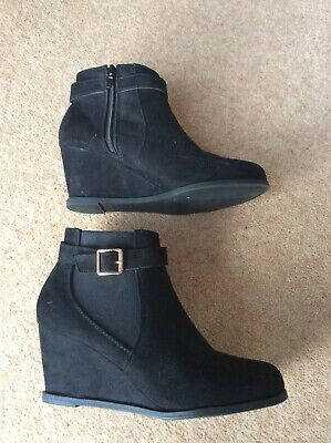 New Look Girls 915 Black suede wedge heel ankle boots size 5 VGC