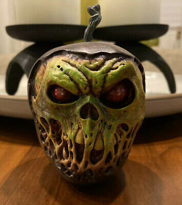 Sideshow Collectibles Court of the Dead Skull Apple (Rancid) Underworld Orchards