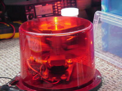 RED ROTATING BEACON LGHT IN EXCELLENT CONDITION - 12 vdc