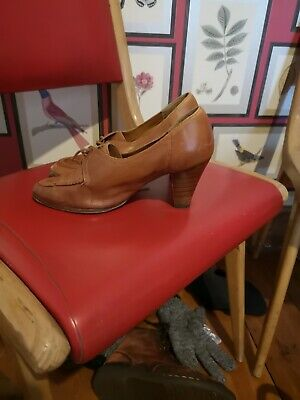 1970s 40's-style shoes size 6