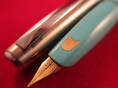 VINTAGE PILOT SILVER AND BLUE COLOUR POCKET FOUNTAIN PEN 14k gold nib Japan