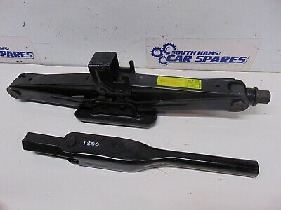 Hyundai i800 07-18 spare wheel vehicle Jack and handle