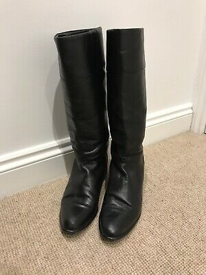 Vintage Black Leather Knee High Boots With Low/flat Heel - Size 7 - Very Rouje!