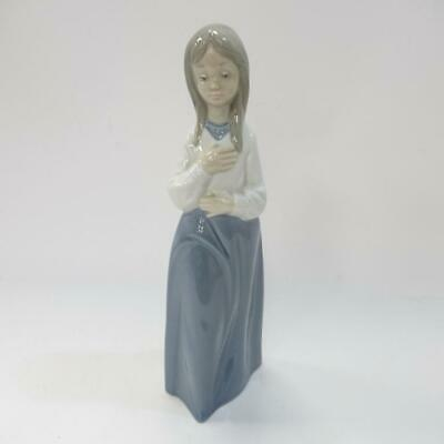 Collectable - Nao by Lladro Daisa Pretty Girl Figurine Made in Spain, Size 23cm