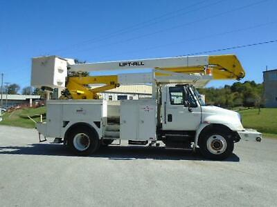 2004 International 4400 Lift-All 50' Boom/Bucket Service Truck
