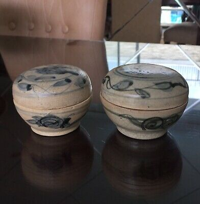 """A pair Antique Chinese Ming Blue and White""""Flowers""""Cosmetic Covered Boxes"""