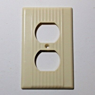 LEVITON Single outlet plate Vintage NOS mid century ribbed lines IVORY bakelite
