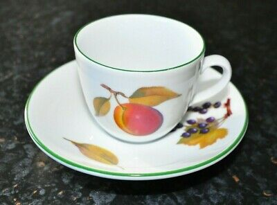Royal Worcester Evesham Vale Green rim - Small tea / coffee cups & saucers x 3