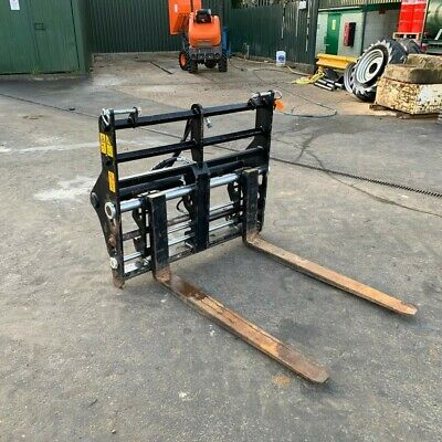 Nearly New Manitou Double Fork Positioner