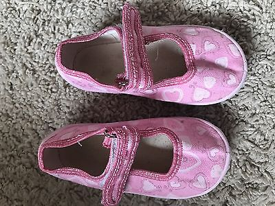 Baby Girls Infant Size 4 Heart Print Shoes