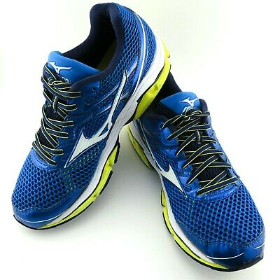 MIZUNO MENS RUNNING Shoes. Size 8 Uk. Green And Black. EUR