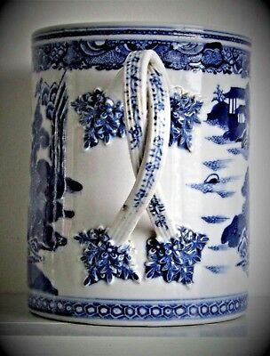 Anique Very Large 18th C Chinese Blue & White Qianlong Porcelain Brush Pot Cup