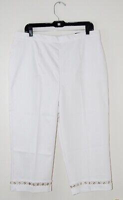 NWT Alfred Dunner Women's Plus White Classic Fit Embellished Capri Pants 22W 24W