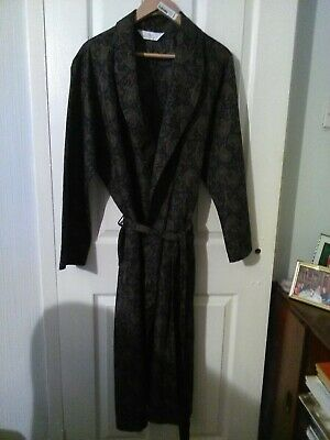 St Michael  Mens Full Length Paisley Dressing Gown Robe Large.