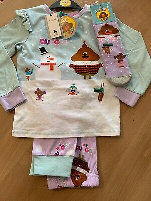 TU Hey duggee christmas pyjamas Pjs & slipper socks Set 5-6 years Girls NEW