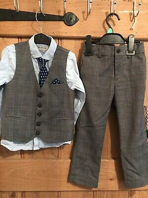 Next boys 4 piece suit. Age 5. Waistcoat, trousers, tie and shirt. Blue and grey