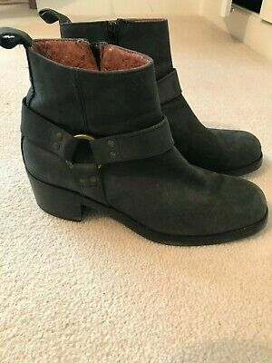 Russell & Bromley grey ankle boots  Size 39 VGC