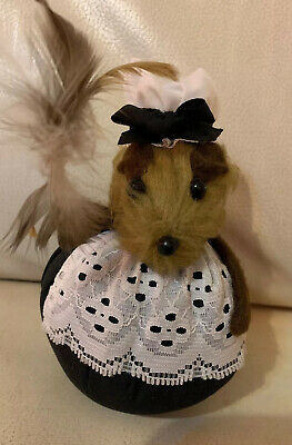 Vintage Pin Cushion Mouse Hand Made Felt Country Victorian Girl Pins & Needles