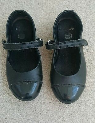 Girls childs infant Clarks Black leather School Shoes Girls 8.5 G 1/2