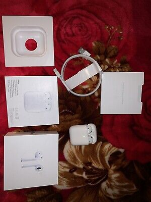 APPLE AirPods with Charging Case (2nd generation) - White