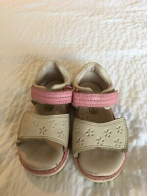 Girls Clarks Sandals Size 6F Beige/Off White And Baby Pink Velcro Easy Fasten