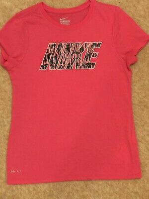Older Girls Nike Dry Fit T Shirt Age 12-13 Size Large Bright Pink