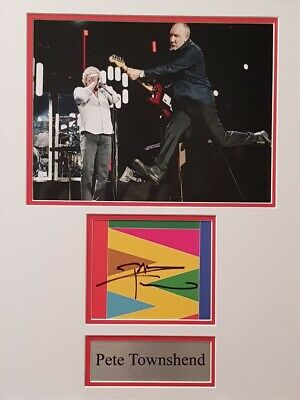 PETE TOWNSEND Signed 16x12 Photo Display THE WHO COA