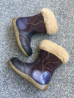 Clarks Girls Leather Winter Boots Shoes Plum Purple coloured Size 5 F VGC