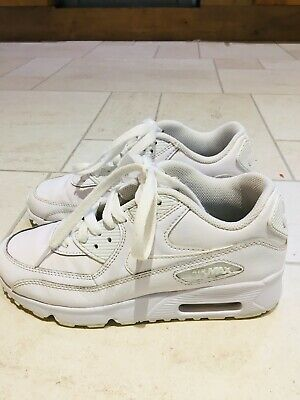 NIKE Air Max Girls Trainers Size 4