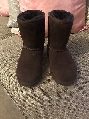 Girls Classic Brown Ugg Boots Size13