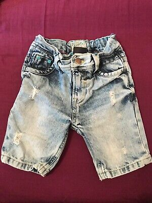 Boys shorts, age 6. Levi's and Next