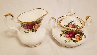 Royal Albert Old Country Roses 1962 Creamer and Covered Sugar Bowl, Excellent