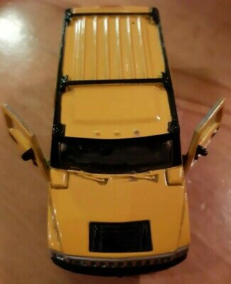 """Maisto HUMMER SUV 1/46 5"""" Diecast Model Toy Car. Yellow. Pull action."""