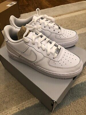 NEW IN BOX NIKE AIR FORCE ONE WHITE LEATHER SIZE 4.5 Youth UK Genuine