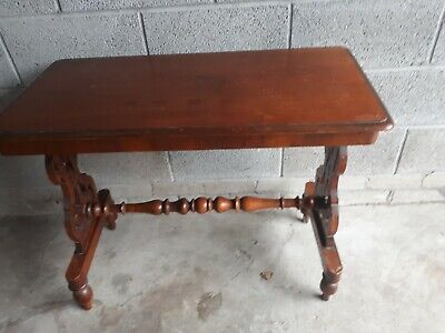 Antique Victorian  mahogany side table a lovely look