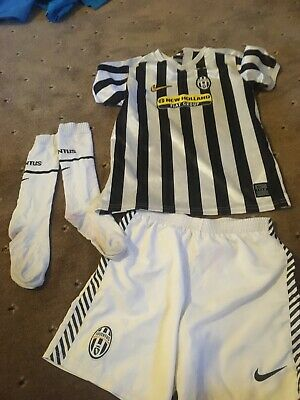 Football Kit 6-7 Juventus kids kit with socksREPLICA