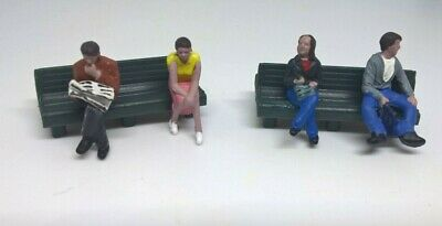 Passenger Figures On Benches For Hornby Triang Railways Oo Gauge