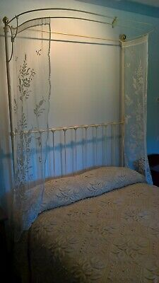 Cast Iron double bed, cream paint, excellent condition, fully restored Victorian