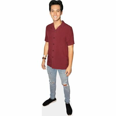 Laine Hardy (Casual) tamano natural