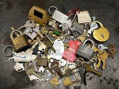 Huge Lot Of Vintage Antique Keys Padlocks Skeleton Brass Barrel Mortise 3 lbs+