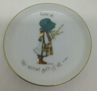 HOLLY HOBBIE classic blue bonnet LOVE IS THE NICEST GIFT OF ALL  DISH PLATE 10cm