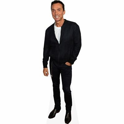 Bruno Tonioli (Casual) tamano natural